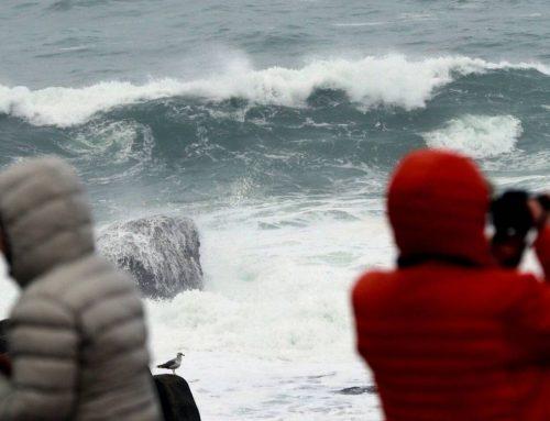 Буря и шторм охватили практически все северное побережье Испании